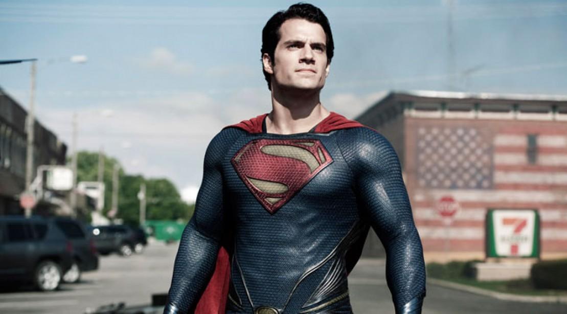 Justice League: Henry Cavill lascia intendere che ci sarà Lanterna Verde