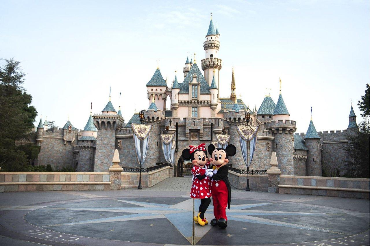 Disneyland sarà il primo super POD per i vaccini contro il Covid-19